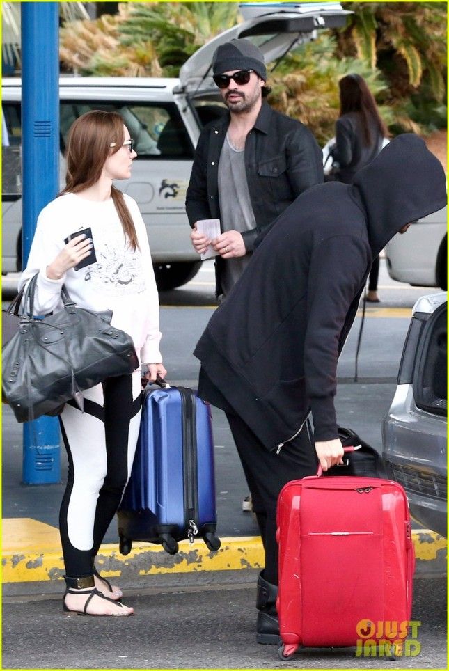 24 MARCH 2014 30 Seconds to Mars arriving at Sydney Airport – Candids