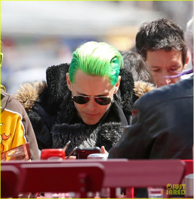 jared-letos-green-hair-is-slicked-back-bike-ride-02